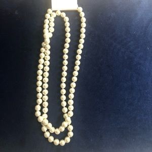 Forever 21 pearl necklace